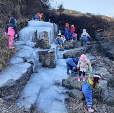 폭포의 얼음숲 탐방